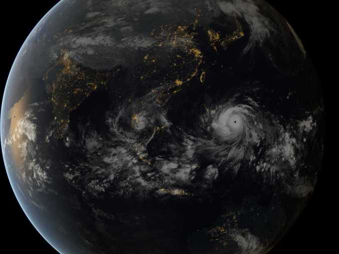 heres-a-jaw-dropping-satellite-image-of-typhoon-haiyan-as-it-approached-the-philippines